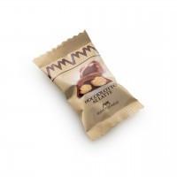 Schokoladenhäppchen mit ganzen Nüssen, Vollmilch-Haselnuss, 500 g